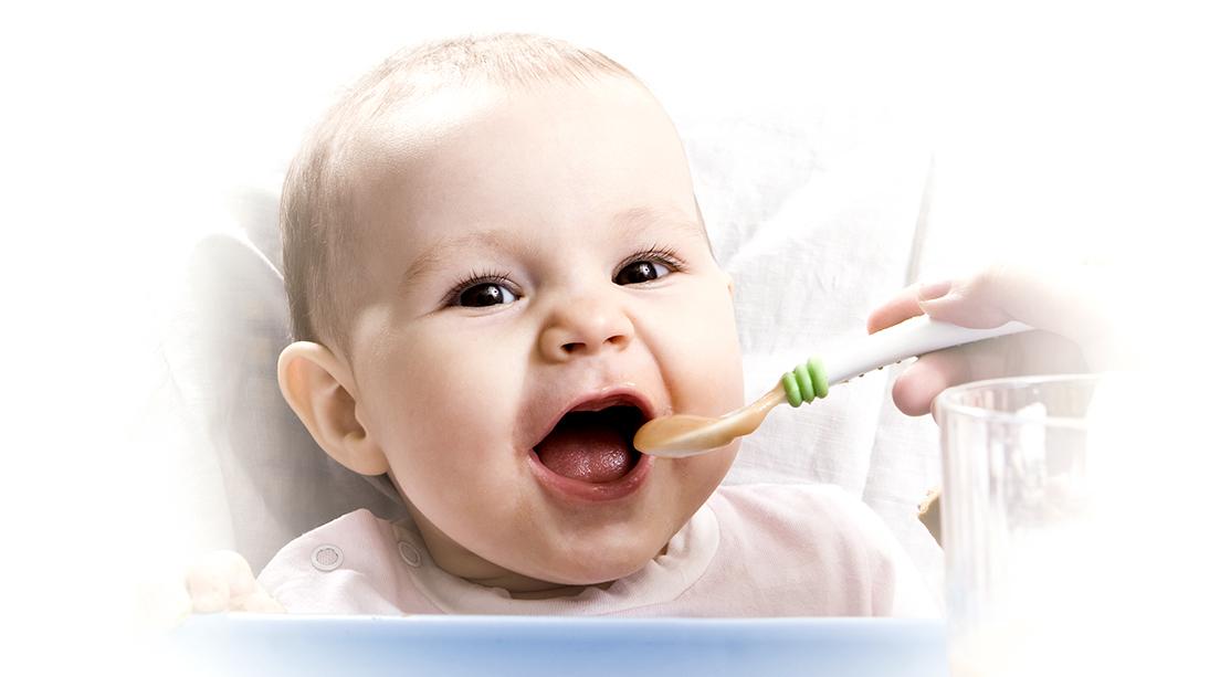 Alimentación del bebé: de la leche a las papillas