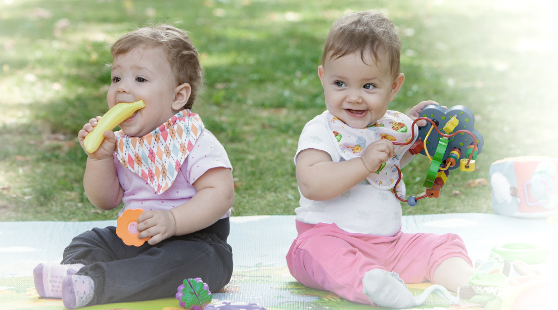 ¿Cómo se da el proceso de socialización de los bebés?